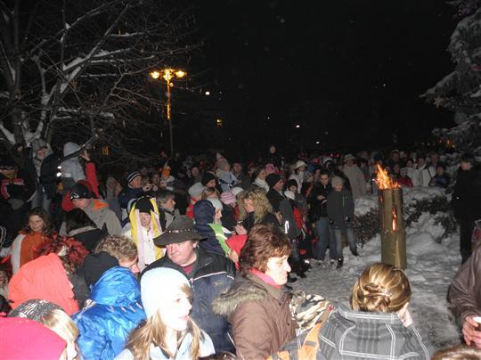 19. valašský mikulášský jarmek - rozsvícení vánočního stromu města ... 07f6f6ce5b